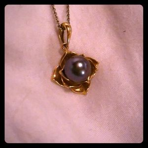 Jewelry - Black Pearl 18 ct Gold Necklace